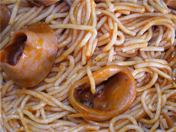 Spaghetti with Squids - Greek Cuisine